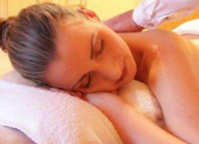 ayurveda masaje-relax-relajante-sayoni-care-800x400